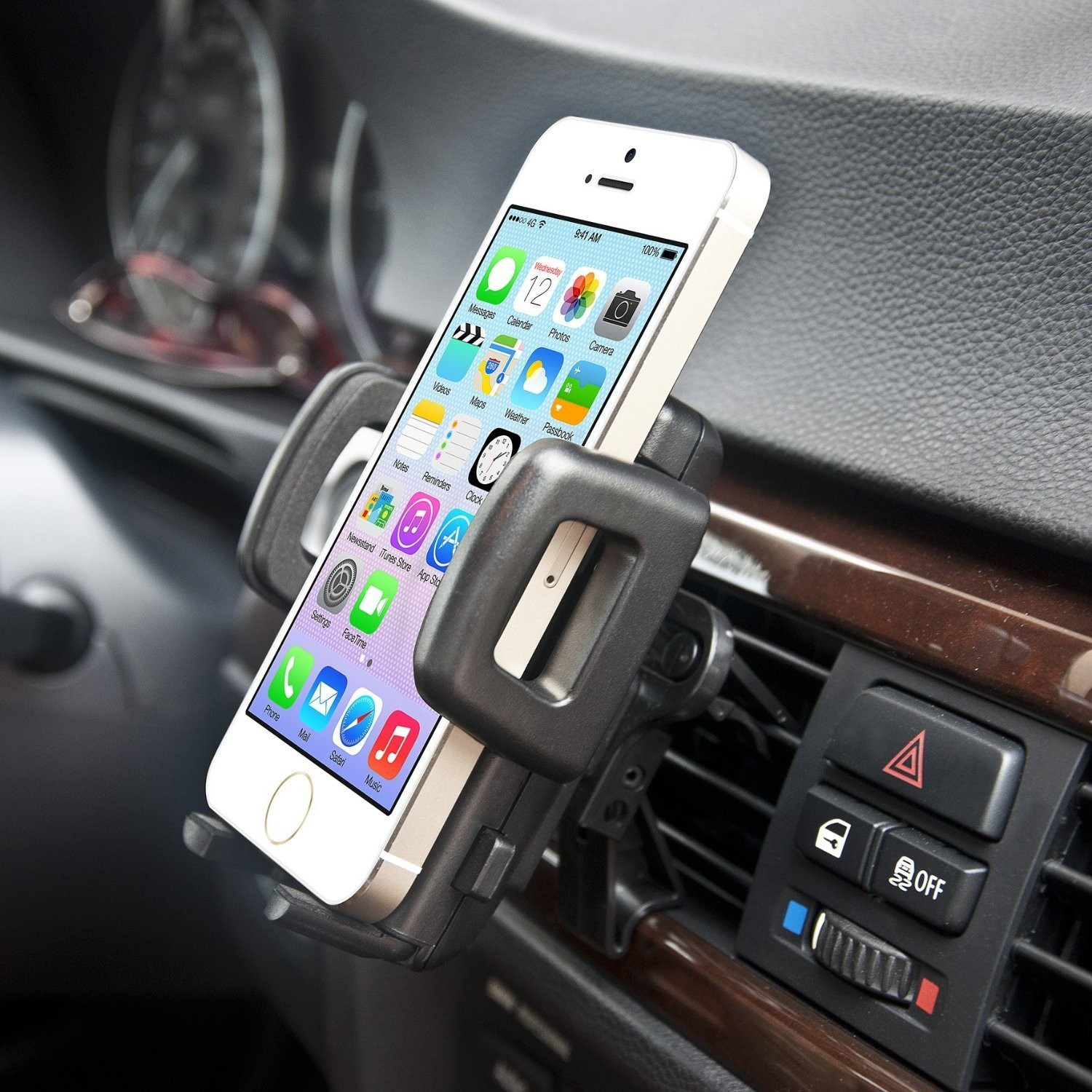 Benefits Of Using A Car Mount Phone Holder | Mr. Journo
